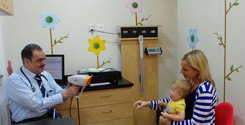 جهاز حديث يكشف عن مشاكل النظر عند الأطفال في ثوان
