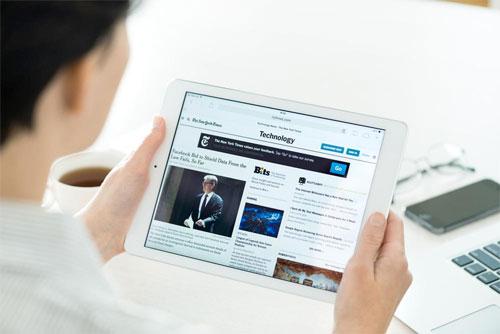 آبل في طريقها لتخطي عمالقة الإنترنت في ميدان الأخبار