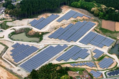 اليابان تحول ملاعب الجولف الى محطات للطاقة الشمسية