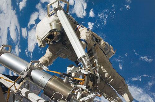 إنتاج جيل جديد من المركبات الفضائية المأهولة في روسيا