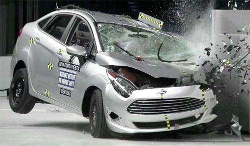 تقرير : أكثر من مليون شخص يموتون سنويا نتيجة حوادث المرور على الطرق