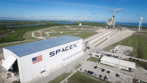 """شركة يابانية تزود """"SpaceX"""" بألياف للصواريخ"""