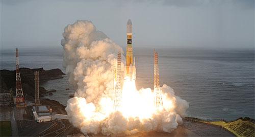 اليابان تطلق قمراً صناعياً لدارسة الأرصاد الجوية