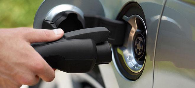 بريطانيا تضيف 200 محطة شحن سيارات كهربائية إضافية