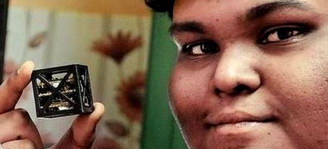 """فتى هندي يبتكر """"أخف قمر صناعي في العالم"""""""