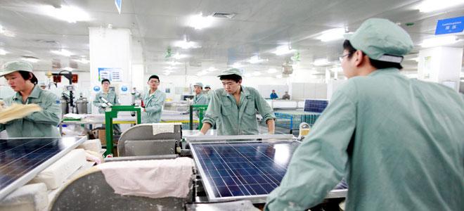 الصين تعزز هيمنتها في السوق العالمية للألواح الشمسية