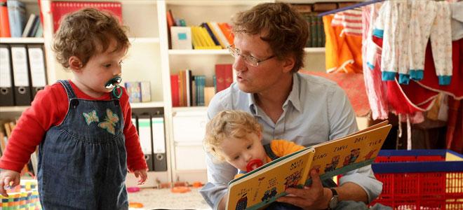دراسة: الأطفال يتعرفون على قواعد القراءة والكتابة في سن مبكرة جدًا