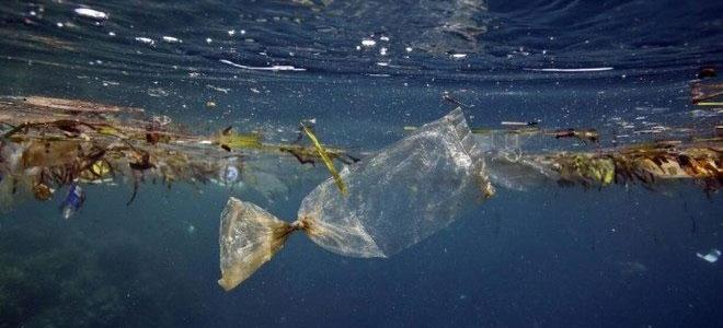 أزمة البلاستيك تطارد العالم: 12 بليون طن تهدد البيئة والبشرية