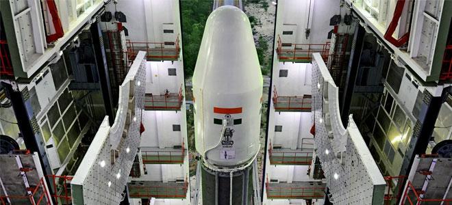 الهند تبدأ بإطلاق 31 قمرا صناعيا في يناير 2018