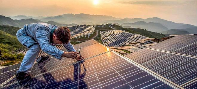 استثمارات الصين في الطاقة الشمسية تنعش أسواق الطاقة النظيفة عالمياً