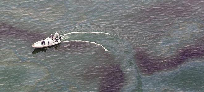 الصين تخطط لإنشاء أول معمل لتنقية مياه البحار من مخلفات تسرب النفط