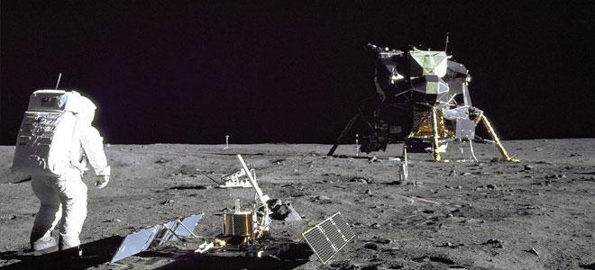 أول شبكة للهواتف المحمولة على سطح القمر