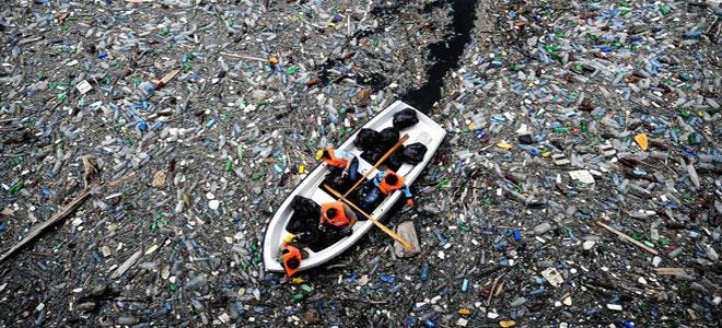 مستوى مقلق لنفايات البلاستيك العائمة في المحيط الهادئ