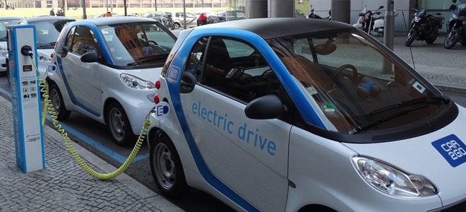 السيارات الكهربائية والوقود النظيف تضغط على الطلب