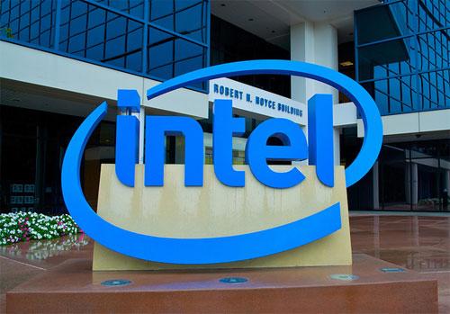 «إنتل» تستحوذ على شركة متخصصة في الأجهزة القابلة للارتداء