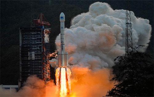 الصين تطلق قمراً اصطناعياً جديداً لتطوير نظام «جي بي إس»